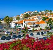 渔村Camara de罗伯斯,马德拉岛,葡萄牙 免版税库存图片