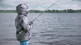 渔的孩子 湖的基于 股票录像