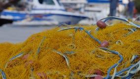 渔网络在海滩说谎 库存照片