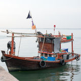 渔船停放在船坞 免版税库存图片