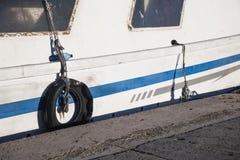 渔船停泊了在Calpe的口岸在阿利坎特,西班牙 免版税图库摄影