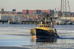 渔船冰冷的Acushnet河的Wando河 库存照片
