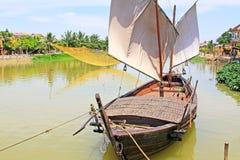 渔船在会安市,越南联合国科教文组织世界遗产名录 库存照片