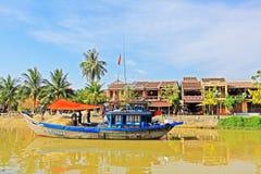 渔船在会安市,越南联合国科教文组织世界遗产名录 库存图片