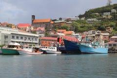 渔船在圣乔治` s小游艇船坞,格林纳达 免版税图库摄影