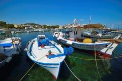 渔船在希腊海岛 图库摄影