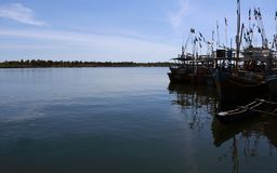 渔船在斯里兰卡怀有 免版税库存照片