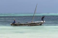 渔船在桑给巴尔 免版税库存图片