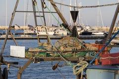 渔船在港口-捕鱼网 图库摄影