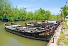 渔船在Vilkovo,乌克兰 免版税库存图片