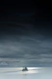 渔船岸上。 免版税库存照片