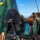 渔船网和绞盘 免版税图库摄影
