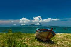 渔船芽庄市海湾越南 免版税库存图片
