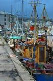 渔船靠了码头 免版税图库摄影