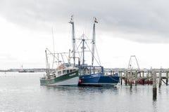 渔船香客和头脑` s注视 免版税图库摄影