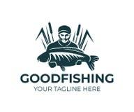 渔,渔夫举行鲤鱼鱼和身分在芦苇,商标设计 渔体育俱乐部和钓鱼者,自然,动物和下 库存例证