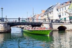 渠道在城市哥本哈根 免版税图库摄影