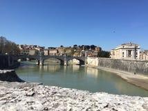 渡槽在罗马 Tevere, Tiberis河 免版税库存图片