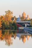 渥太华运河和秋天颜色 免版税库存照片