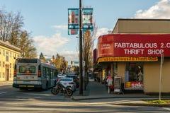 温哥华加拿大-在Cambie街的2017年4月2日,看法和第13条大道 免版税库存图片