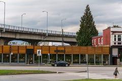 温哥华加拿大- 2017年6月13日Fullhouse商店在格兰维尔桥梁BC温哥华下 库存图片