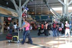 温哥华国际机场大厅的一边 免版税库存图片