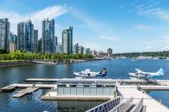温哥华街市小游艇船坞区域 免版税库存图片