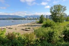 温哥华,加拿大` s成套工具靠岸和英吉利湾 免版税库存图片