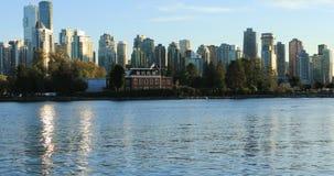 温哥华,横跨水4K的不列颠哥伦比亚省地平线  影视素材
