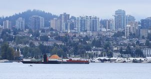 温哥华,横跨港口4K的不列颠哥伦比亚省地平线  影视素材