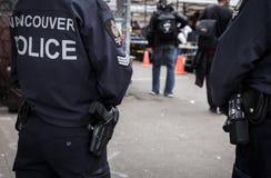 温哥华, BC,加拿大- 2016年5月11日:温哥华警察` s枪的特写镜头和冠,他们巡逻 免版税库存图片