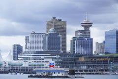 温哥华harbourfront -剧烈的天空地平线-温哥华-加拿大- 2017年4月12日 图库摄影