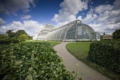 温室在Kew皇家植物园里 免版税库存图片