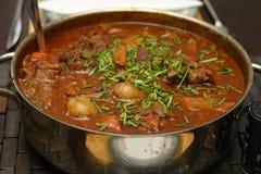 牛肉和牛尾炖煮的食物 免版税库存照片