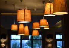 温暖和冷的照明设备 库存图片