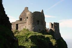 温暖城堡的dunluce 库存照片