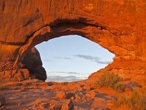 温暖曲拱轻的国家公园的日落 库存图片