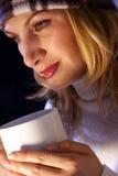 温暖杯子的茶 图库摄影