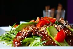 温暖牛肉的沙拉 免版税库存照片