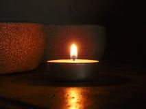 温暖的内部蜡烛 免版税库存图片