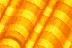 温暖的口气窗帘或帷幕和抽象自然阳光 免版税库存照片