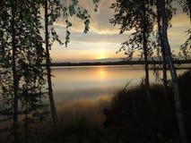 温暖的夏天日落晚上在芬兰 免版税库存图片