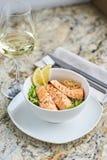 温暖的沙拉用鳗鱼和米 库存照片