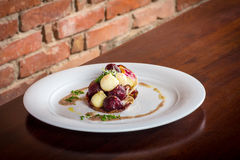 温暖的沙拉芹菜和甜菜根02 免版税库存图片