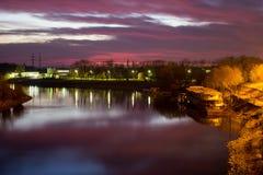 温暖的秋天晚上 免版税库存照片