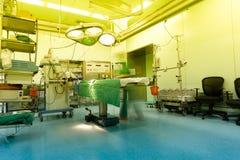 温暖的轻医院手术室 库存照片
