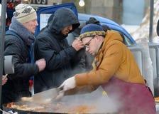 温暖的食物在冬天 免版税库存图片