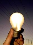 温暖轻的电灯泡 免版税库存照片
