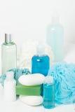 温泉成套工具 香波、肥皂酒吧和液体 阵雨胶凝体 芳香疗法 图库摄影