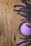 温泉框架用淡紫色 免版税库存照片